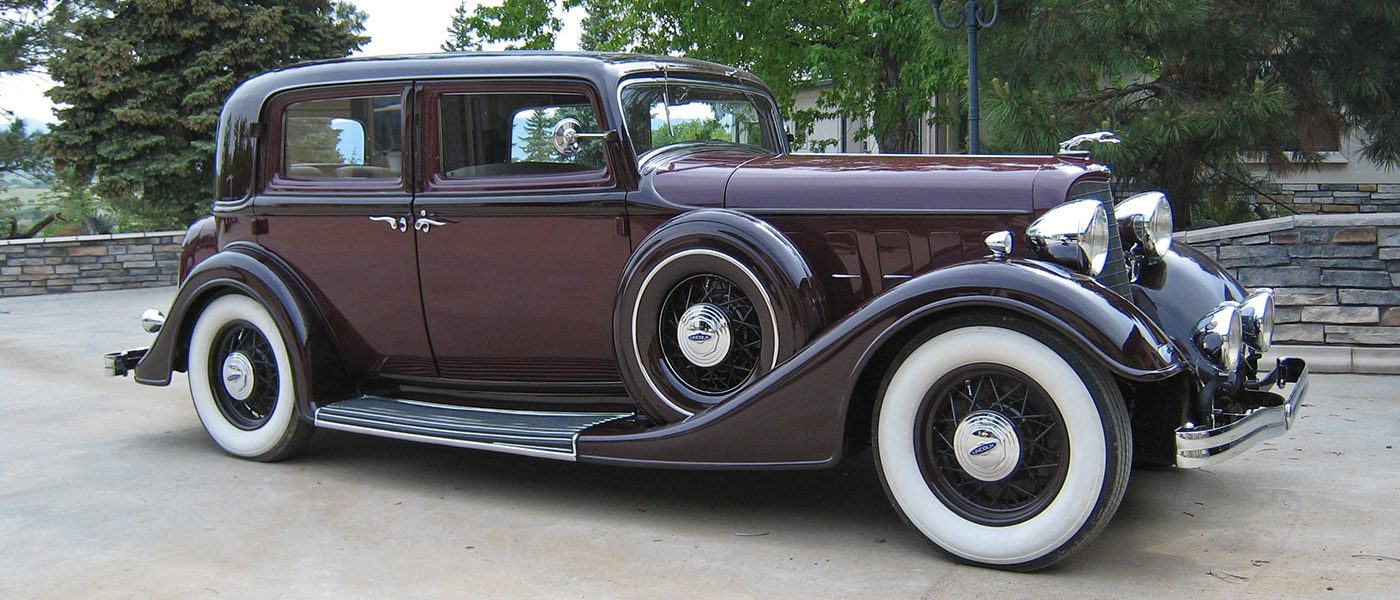 1934 524 Two Window Town Sedan