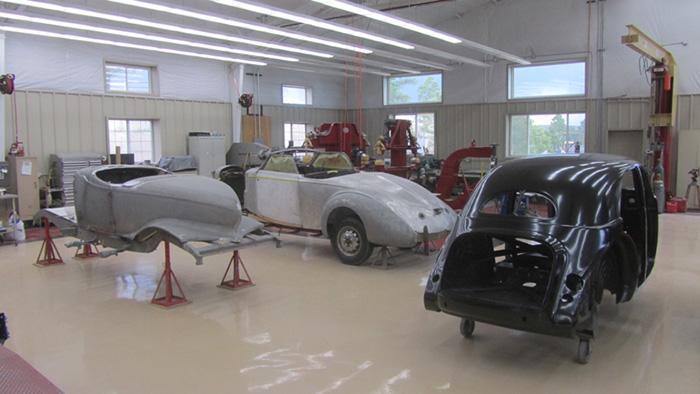 Vintage Auto Antique And Classic Car Restoration Shop - Classic car shop