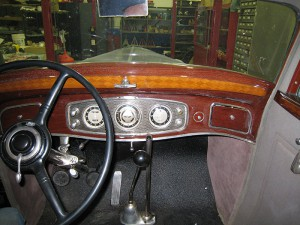 1934 Lincoln Two Window Town Sedan (3)