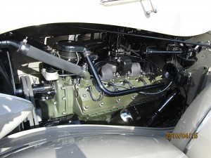 1937-Packard V12CoupeRoadster-engine (22)