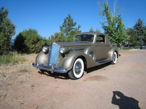 1937-PackardV12CoupeGold (19)