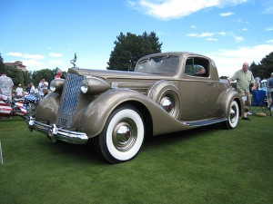 1937-PackardV12CoupeGold (35)